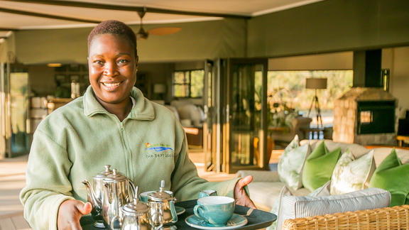 Old Drift Lodge, Victoria Falls - Service with a Friendly Smile