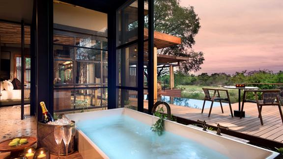 andBeyond Tengile River Lodge - Guest suite bathroom view