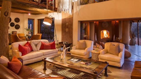 Main Lodge Viewing Lounge -