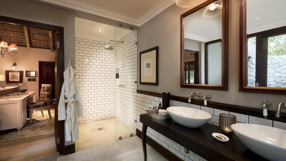 Ngala Private Game Reserve - Ngala Safari Lodge Bathroom2