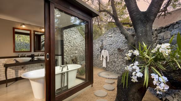 Ngala Private Game Reserve - Ngala Safari Lodge Bathroom