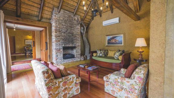Photo 9 of the Zindoga Villa at Jabulani Safari