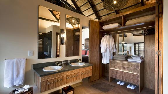 Luxury Suite Bathroom  - Luxury Suite Bathroom