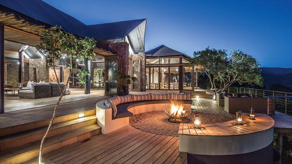 Kariega Settlers Drift Deck and Fire Pit - Enjoy the African sunset and stars from the decks and outdoor fire pit.