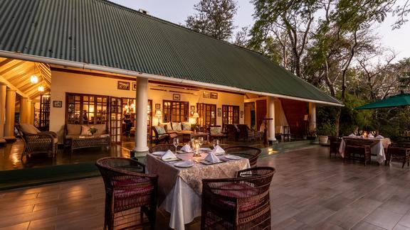 Lodge Dining -