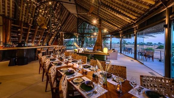 Jao Camp - Jao dining area, bar and deck