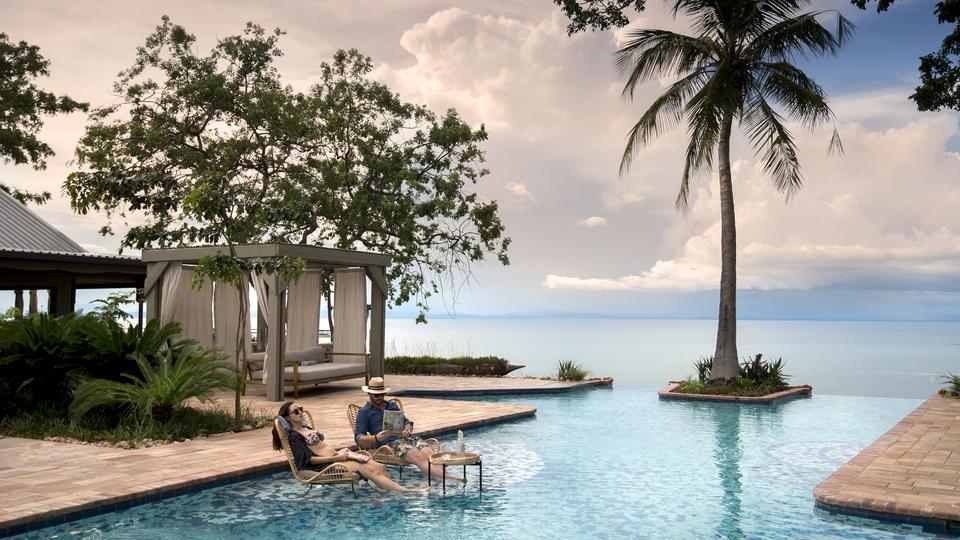 Bumi Hills Safari Lodge - Relaxing afternoon in the pool
