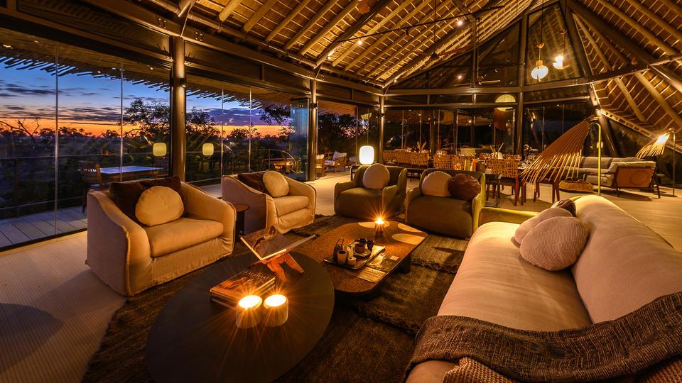Jao Camp - Jao lounge and dining area